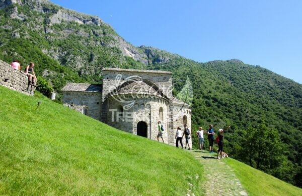 Civate Trekking San Pietro Al Monte Cornizzolo 1