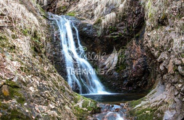 Castello Cabiaglio Cascata Del Rio Caprera 3
