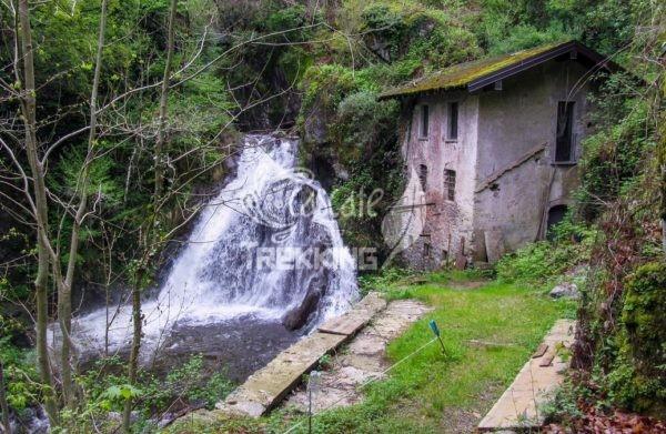 Dumenza Cascata Del Rio Colmegnino 4
