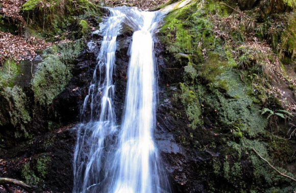 Grantola: Cascata del Calderone