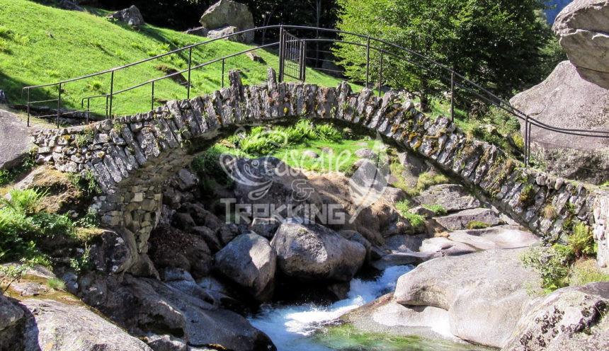 Cevio Foroglio Trekking Val Calnegia Copertina