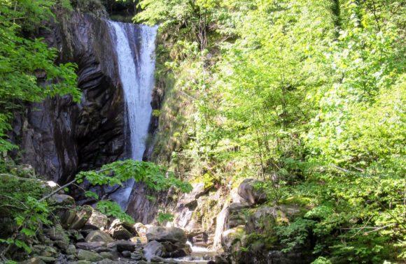 Maggia: Cascata di Aurigeno